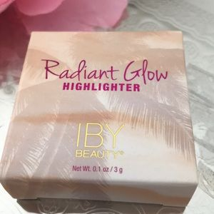 IBY Beauty Radiant Glow highlighter